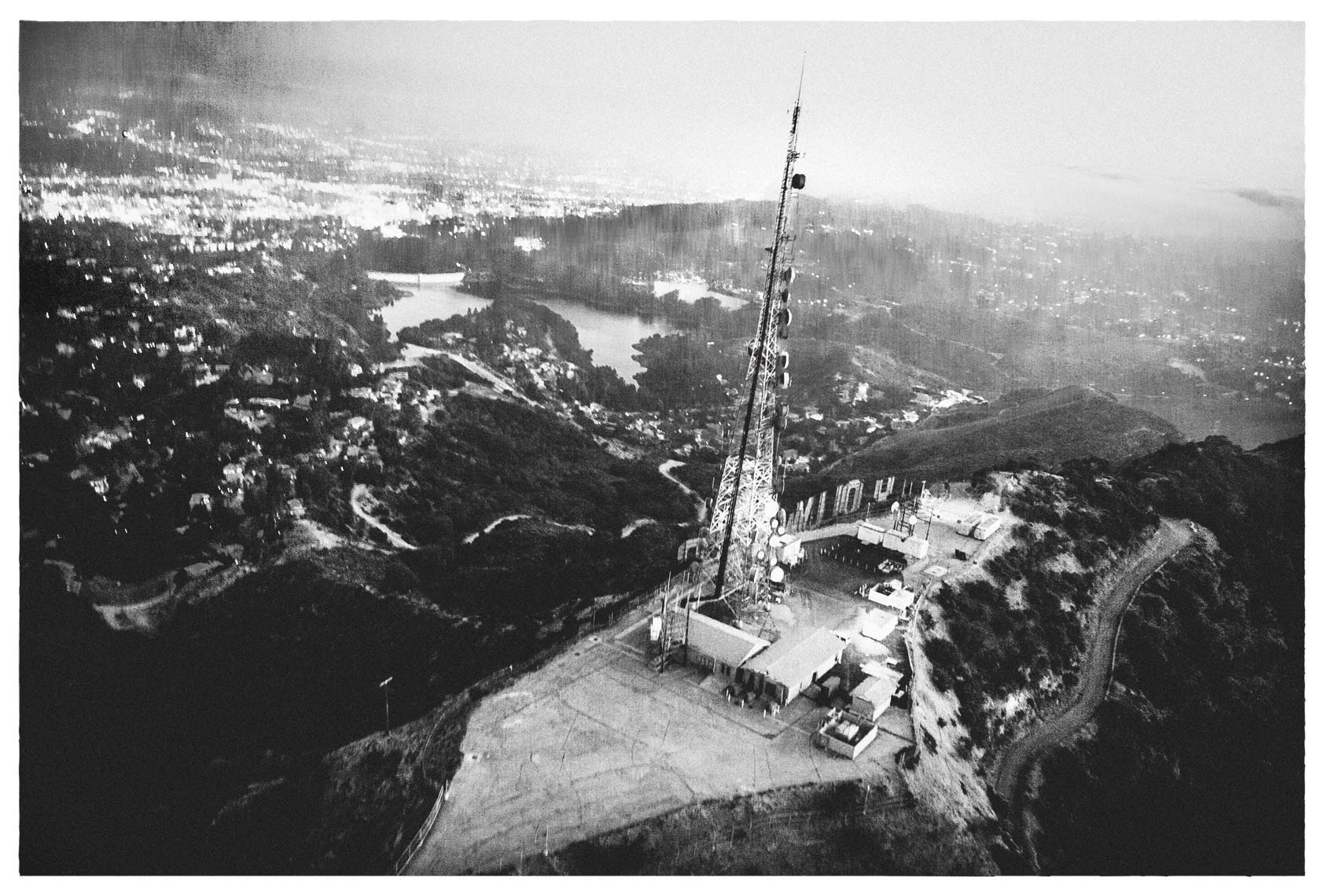 Hollywood-Sign-17x22-bw